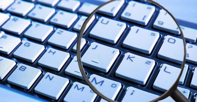 ako sa brániť hackerom